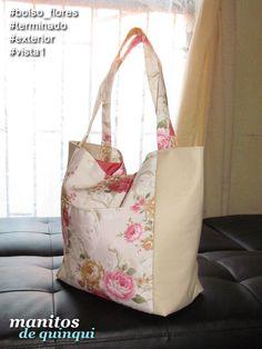 #EnVenta Bolso Flores y Cuerina: Loneta estampada y cuerina; broche magnético para cerrar; un bolsillo exterior; dos bolsillos al interior.