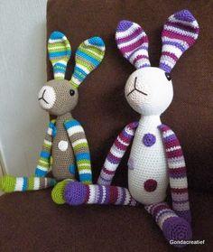 Gonda Creatief  Twee gehaakte konijntjes