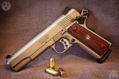 Manufacturer: Ruger Mod. SR 1911 Caliber - Calibre: 45 ACP Capacity - Capacidade: 8+1 Shot Barrel length - Comp.Cano: 5 Weight - Peso: 39...