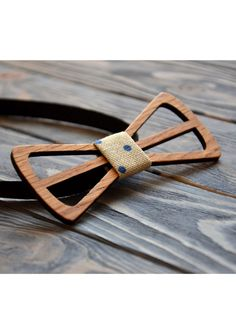 13 Etsy Gifts For Your Groomsmen Unique and sure to set your groomsmen appart, we love men in wooden bow ties! Laser Cut Wood, Laser Cutting, Wooden Bow Tie, Wood Cutouts, 3d Prints, Wooden Gifts, Wooden Jewelry, Ribbon Bows, Laser Engraving