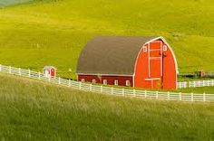 The Palouse Scenic Byway, located in the heart of the Palouse region in southeastern Washington, combines 208 miles of rolling hills and farmland with rich history, small town charm, spectacular scenic vistas and outstanding recreational opportunities