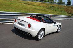 Alfa Romeo 8c Spider http://www.autorevue.at/best_of_test/modellvorstellung/diese-wahnwitzige-symphonie.html