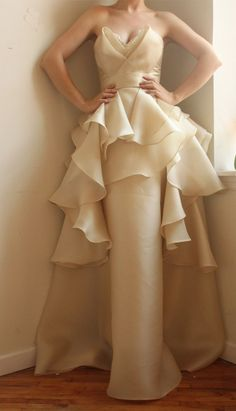 Love the neckline!     Satin Faced Silk Organza and Silk Shantung Wedding Gown