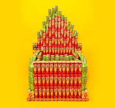 fully-functioning musical pringles organ is made from potato chip cans - designboom | architecture & design magazine
