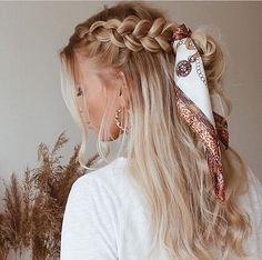 Flechtfrisuren - braided Hair - Haare ❀ Geflecht mit Schal ❀ - What is the full description of a thi Scarf Hairstyles, Cute Hairstyles, Braided Hairstyles, Quiff Hairstyles, Braided Locs, Hairstyles 2018, Hairstyle Ideas, Wedding Hairstyles, Kids Hairstyle