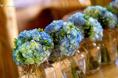 blue hydrangea bride and bridesmaids bouquets http://studios.MeewMeew.com Hawaii, Maui, Oahu, Big Island, Kauai Wedding Photorapher - MeewMeew Studios