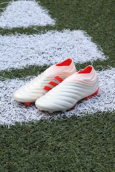 Adidas Soccer Shoes, Nike Football Boots, Adidas Boots, Soccer Boots, Adidas Football, Football Cleats, Nike Soccer, Girl Football Player, Football Players
