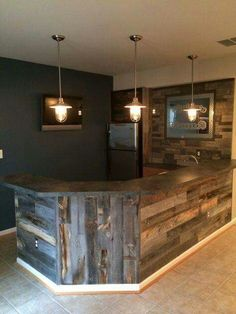 32 Incredible Basement Bar Design That'll Make Feel Good - Possible Decor Bar Pallet, Pallet Wood, Barn Wood, Pallet Walls, Diy Wood, Outdoor Pallet, Pallet Ideas, Canto Bar, Man Cave Bar