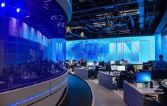 """Na noite desta segunda-feir a (19) o """"Jornal     Nacional"""", o telejornal mais assistido e antigo da história da nossa TV, lançou a sua nova bancada, cenários, t"""