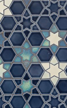 A mosaic pattern using metallic craftsman glazes.