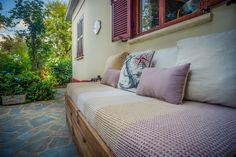 2020 - Gesamte Unterkunft für Villa Gioia is a wonderful villa with a private patio and a romantic garden. Garden Villa, Room, Outdoor Lounge, Home Decor, Outdoor Lounge Area, Villa, Outdoor Sofa, Lounge Areas, Lounge