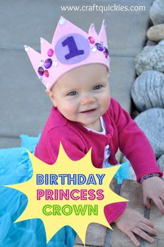 Free pattern for the CUTEST birthday crown from Craft Quickies! It is so easy and totally customizable! Princess Party Favors, Disney Princess Party, Cinderella Party, Baby Girl Birthday, Princess Birthday, Crown Pattern, Free Pattern, Felt Crown, Diy Crown