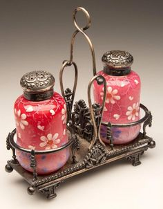 CASED PAIR OF SALT AND PEPPER SHAKERS : Lot 324