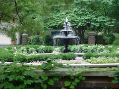 Image from http://www.deborahsilver.com/blog/wp-content/uploads/2010/01/Fisher-Garden-Con-16-475x356.jpg.