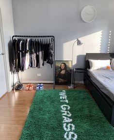 Bedroom Setup, Room Design Bedroom, Room Ideas Bedroom, Home Room Design, Small Room Bedroom, Hypebeast Room, Minimalist Room, Aesthetic Room Decor, Dream Rooms