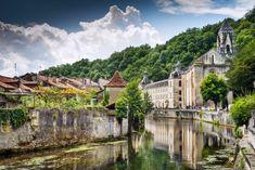 Un pueblo detenido en el tiempo y con arquitectura troglodita en Francia (Brantôme, Dordoña)