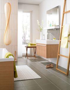 Lovely towelholder sink set up