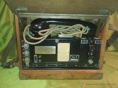 Teléfono militar de baquelita con caja de madera. 1947-1949 (Teléfonos - Teléfonos Antiguos)
