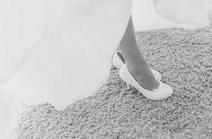 Brides Wedding shoes - photography Wedding Shoes Bride, Our Wedding, Brides, Wedding Photography, Fashion, Moda, Fashion Styles, Wedding Bride, Bridal