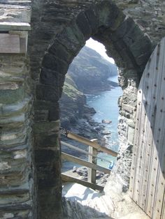 This one of my favorite parts of Cornwall! 'Cornwall's best kept secrets' - Tintagel Castle Steps, Cornwall, UK The Places Youll Go, Places To See, Places To Travel, Travel Destinations, Voyager Loin, Destination Voyage, All Nature, Belle Photo, Monuments