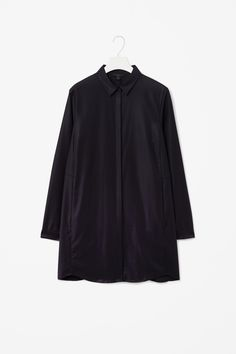 Shirt with pleated back