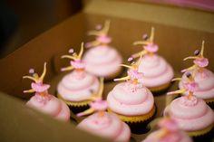 ballet cupcakes pink ballerina Ballerina Cupcakes, Kid Cupcakes, Cupcake Cookies, Cupcake Toppers, Ballerina Birthday Parties, Ballerina Party, Little Ballerina, Angelina Ballerina, Birthday Ideas