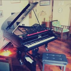 Kaps baby grand piano concert antique 1800
