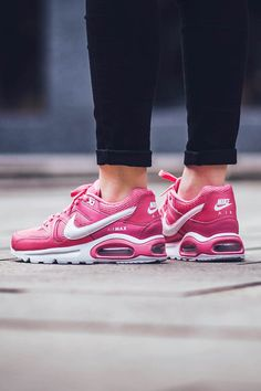 NIKE Air Max Command Dynamic Pink