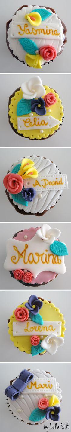 Fondant Flowers Cupcakes