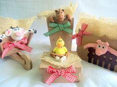 Kit para decoração de mesa de festa fazendinha  Para colocação de pirulito,bala e outros... feito em biscuit com MDF R$80,00