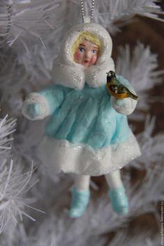 """Человечки ручной работы. Ярмарка Мастеров - ручная работа. Купить Ёлочная игрушка из ваты """"Девочка-Снегурочка с синичкой"""". Handmade. Бирюзовый"""