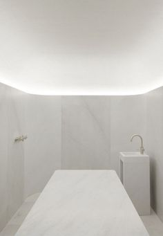 David Chipperfield Architects - Akasha Holistic Wellbeing Centre, London, 2013. Bathroom Design Layout, Bathroom Tile Designs, Bathroom Trends, Modern Bathroom Design, Bathroom Interior Design, Bathroom Sinks, Master Bathroom, Bathrooms, Bedroom Decor Dark