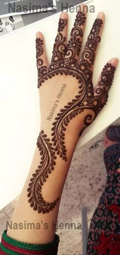 "Mehndi is one of the favorite term among women of all ages. In this post we have brought ""Pakistani Mehndi - Henna Designs . Mehandi Designs, Arabic Mehndi Designs, Latest Mehndi Designs, Simple Mehndi Designs, Mehndi Designs For Hands, Henna Tattoo Designs, Arabic Design, Cool Henna, Unique Henna"