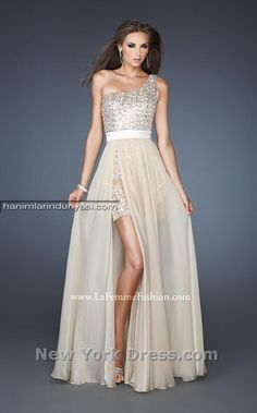 2014 Tek Omuz ve Tek Kollu Beyaz Abiye Modelleri White One Shoulder Dresses (17)