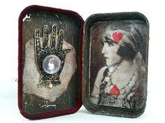 Zahara | Flickr - Photo Sharing! Altered Tins, Mixed Media, Cigar, Flatware, Diy, Jewelry, Match Boxes, Cutlery Set, Jewlery