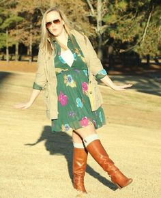 Floral is typically a print that's associated with the warmer Spring and Summer months. But I think a well placed Fall floral can be a nice counter to the usual earthy neutrals and chunky knits. Fashion Boots, Fashion Outfits, Warm Spring, Fashion Essentials, Heeled Boots, Fall Outfits, My Style, Florals, Sweaters