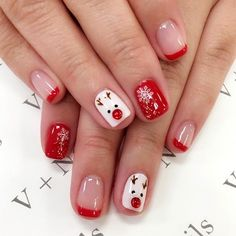 143 fantastic christmas nail art designs to spice up holiday season – page 7 Nail Art Noel, Xmas Nail Art, Christmas Nail Art Designs, Christmas Design, Christmas Gel Nails, Holiday Nails, Beautiful Nail Polish, Manicure E Pedicure, Nagel Gel