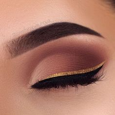 Three Essential Make Up Tips: Eyeliner Makeup Goals, Makeup Inspo, Makeup Inspiration, Makeup Tips, Makeup Ideas, Makeup Tutorials, Denitslava Makeup, Glow Makeup, Makeup 2018