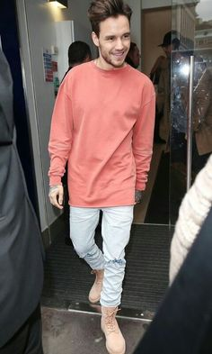 Ayee he looks soo dashing😍 Niall Horan, Zayn Malik, Liam James, Liam Payne, Louis Tomlinson, Harry Styles, Rebecca Ferguson, Ex One Direction, X Factor