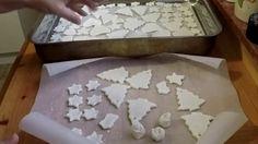 Gyurma házilag szódabikarbónából és keményítőből Salt Dough, Xmas, Christmas, Silicone Molds, Origami, Diy And Crafts, Projects, Fimo, Creative