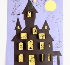 The best Halloween arts and crafts for kids, preschoolers, toddlers and adults. Halloween art and craft ideas to make spiders, witches, ghosts and bats. Fun and easy art and craft ideas for Halloween Diy Halloween, Halloween Cut Outs, Halloween Infantil, Theme Halloween, Halloween Haunted Houses, Halloween Crafts For Kids, Halloween Activities, Holidays Halloween, Halloween Decorations