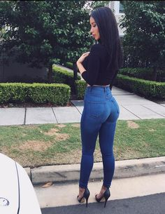 Outfits ideas & inspiration : Learn to take advantage of your figure with these ideas! Today we bring you a post dedicated only to looks to highlight your figure, where we will take Jeans With Heels, Sexy Jeans, Skinny Jeans, Denim Jeans, Blue Jeans, Look Fashion, Fashion Outfits, Womens Fashion, Fashion Ideas