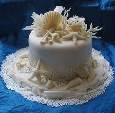 5 Seashell Beach Wedding Cakes - perfect for a #wedding at the aquarium!