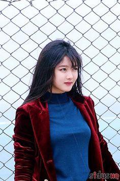 Kim you jeong Korean Beauty, Asian Beauty, Kim You Jung, Creative Fashion Photography, Kim Seol Hyun, Girl Inspiration, Korean Actresses, Korean Celebrities, Beautiful Asian Girls