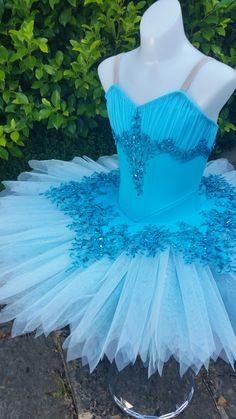 Dance Costumes Ballet, Tutu Ballet, Ballet Wear, Cute Dance Costumes, Ballerina Tutu, Tutu Costumes, Ballet Dancers, Gymnastics Costumes, Kids Dress Clothes