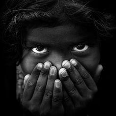 Stunning black and white street portrait portfolio by Mahesh Balasubramanian