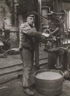 August Sander. Man and Machine. 1926.