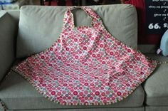 "apron and correction to bias apron pattern I have bookmarked under ""sewing"""