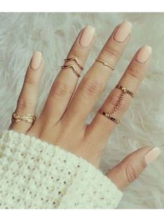 Anyone that knows me knows how obsessed with rings I am! Lol