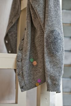 Woolfiller repairs holes and hides stains in woollen jumpers, cardigans, jackets and carpets, for example.